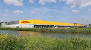 Opening DHL Parcel hub Zaltbommel_voorkant